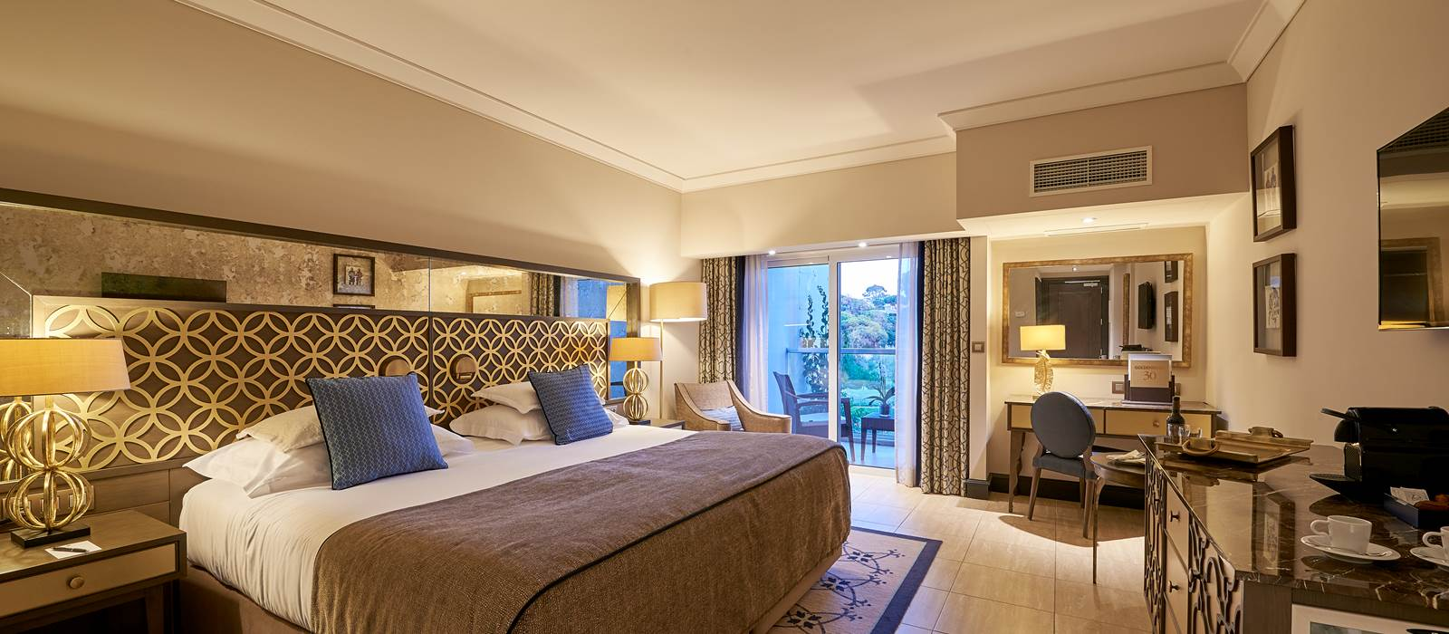 Premium Room at Dona Filipa Hotel