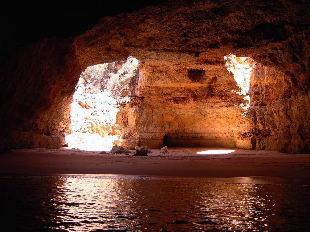 Captain's Cave, Algarve